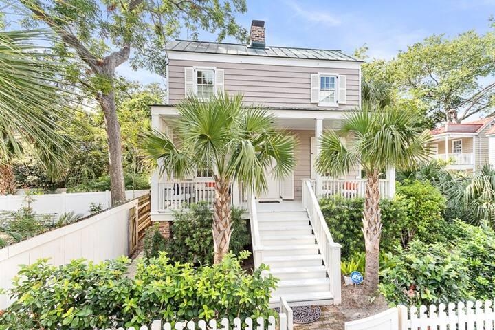House W/ Gated Yard+Porch, 2BD/2.5BA W/ Parking