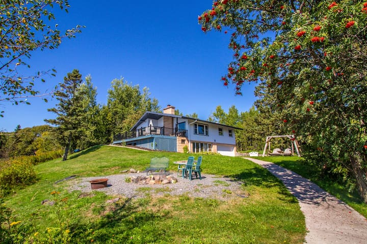 Cliff Point is a family friendly Lake Superior vacation home near Two Harbors, MN