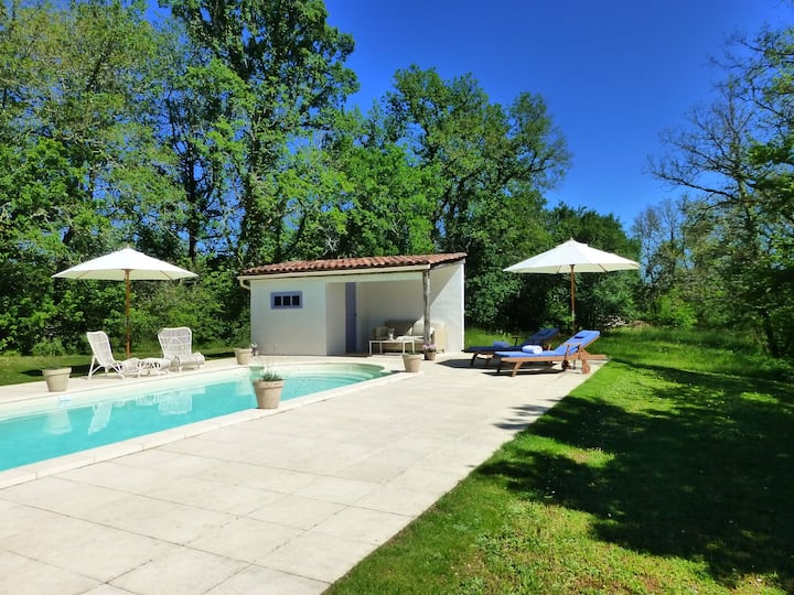 Luxurious B&B with Pool. La Vigne Vierge. Room 2