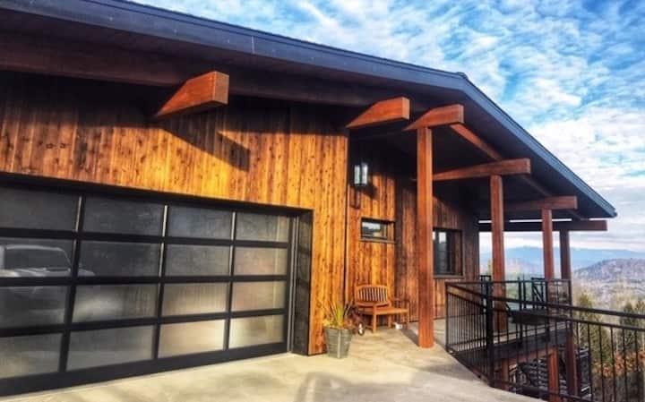 Kootenay View - Brand new two bedroom suite
