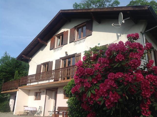 Flat 2nd Floor of a chalet - Discover Alsace