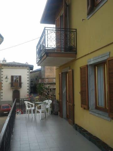 Teglio Casa Nina in centro storico - Teglio - Apartemen