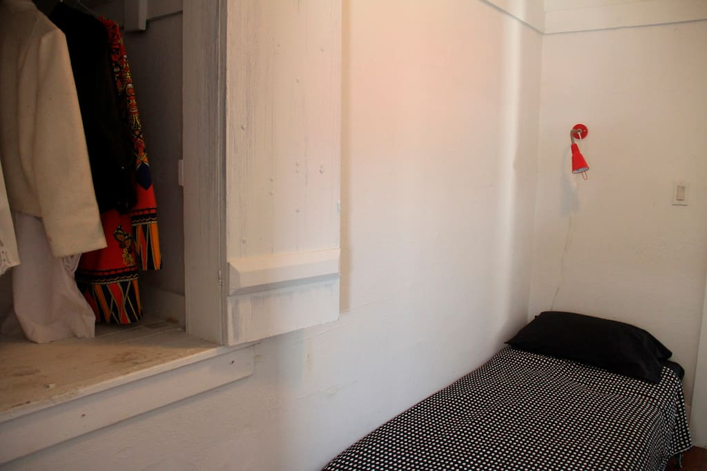 Cozy room near Downtown LA.