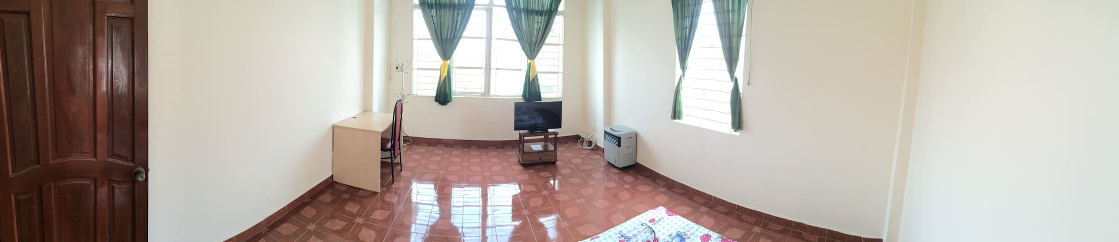 Spacious room for travellers - Ho-Chi-Minh-Stadt - Haus