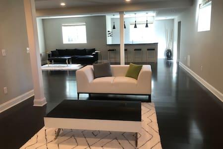Modern basement apartment near CLE airport