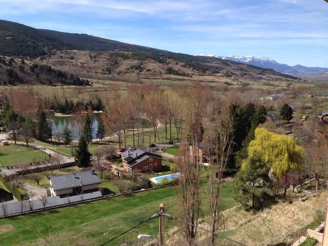 Appartement Cerdagne vue sur lac et montagne