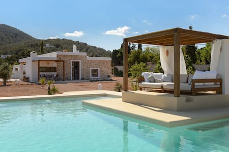 Ibiza cozy villa with swimming pool Villa Harmony - อีบีซา - บ้าน