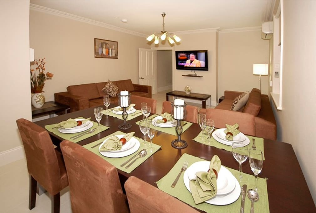 Shared Lounge (with Cable TV) and Dining Rooms
