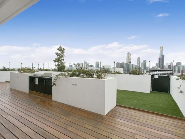 Delightful NEW modern apartment close to the CBD - South Melbourne