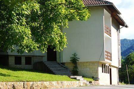 Hotel and rooms in Cherni Vit - Teteven