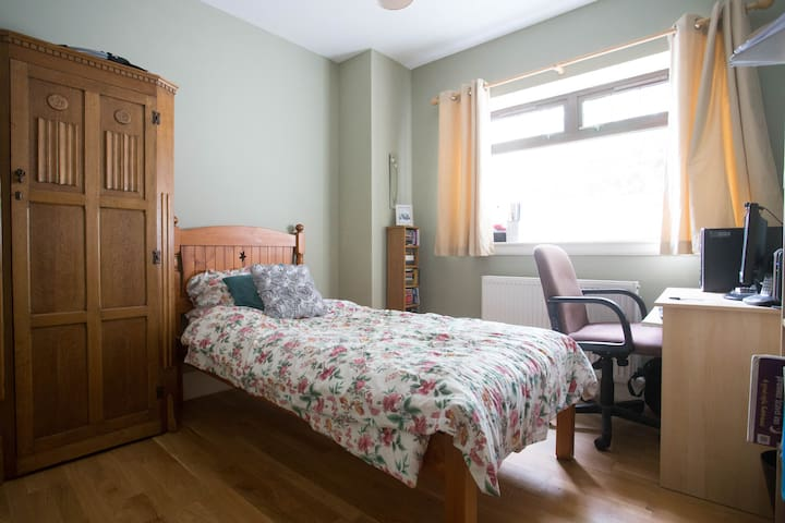 Single Bed Room for Open 2015 - Dundee