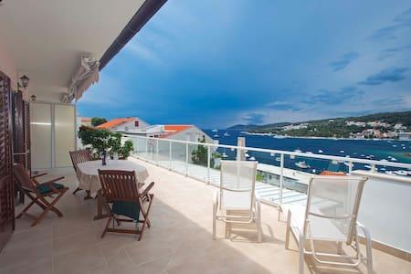 Large seaview terrace&Zen room&kitchen