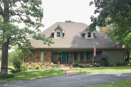 Country Charm Ky Lake Area 1BR Kit LR Bath