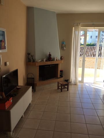 Cool apartment 20m from the beach