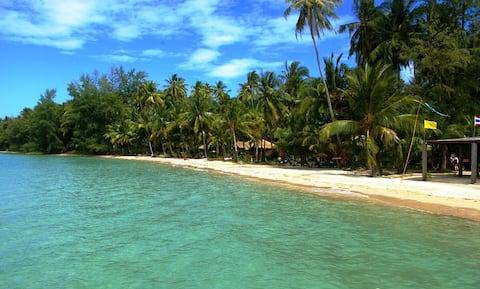 Casa a la platja a l'illa Koh Mak amb 2 dormitoris