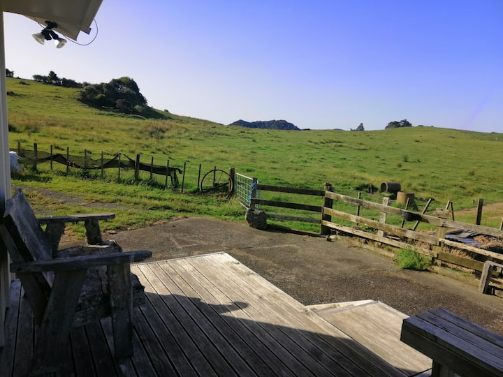 Bright and sunny country cottage near Whangarei