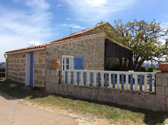 Studio maisonnette pierre Sud Corse