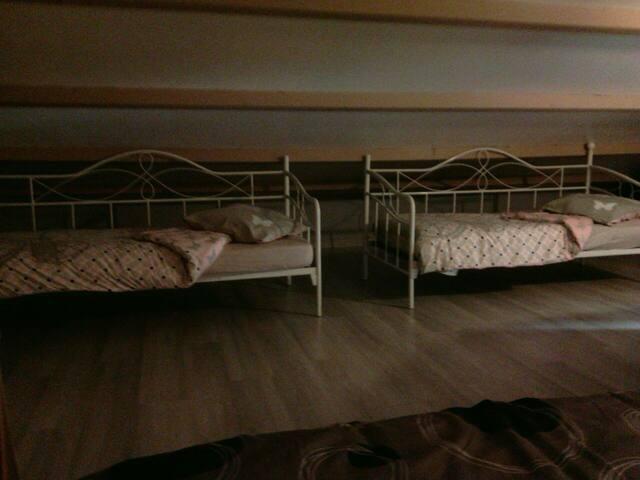 Loue chambre 5 personnes 65€/Nuit - Saint-Georges-de-Pointindoux - Hus