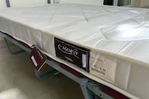 New folding bed/Cama plegable nueva