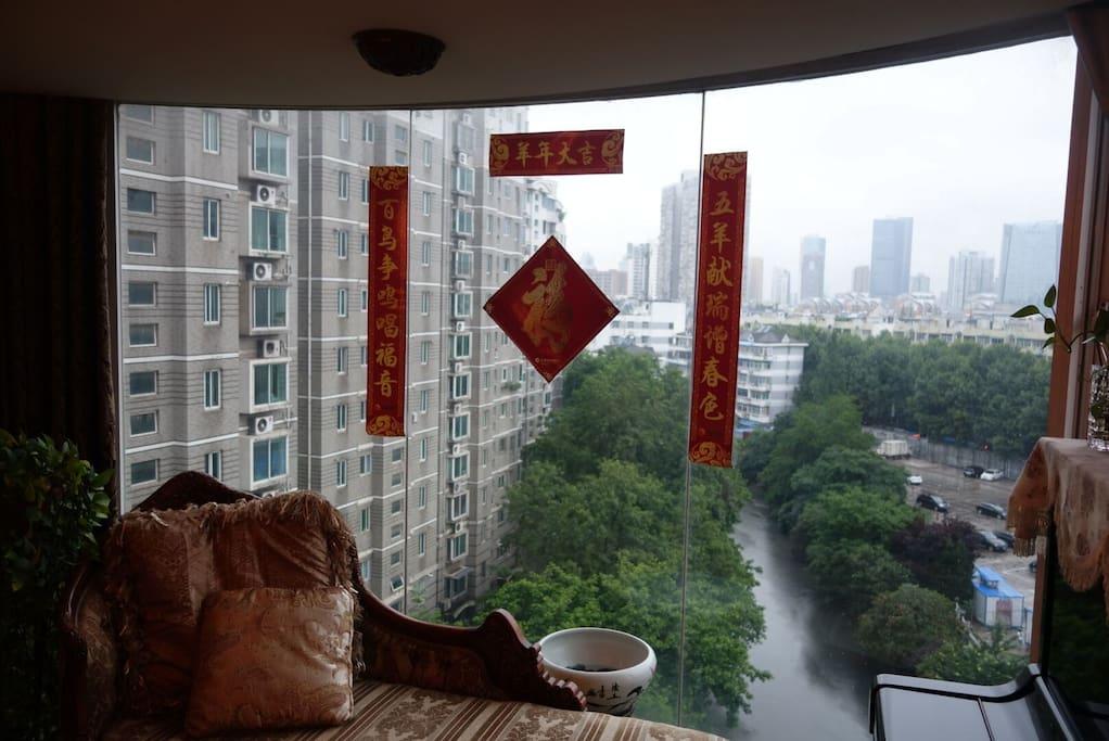 窗外可欣赏秦淮河