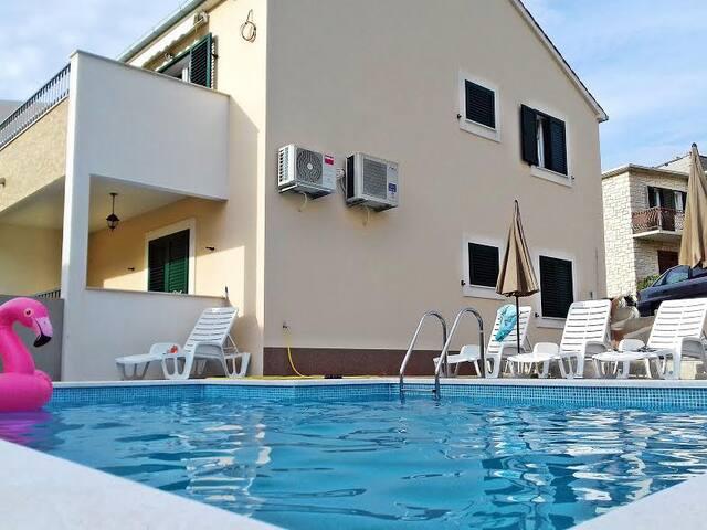 Villa Barunesa A3 (4+2)