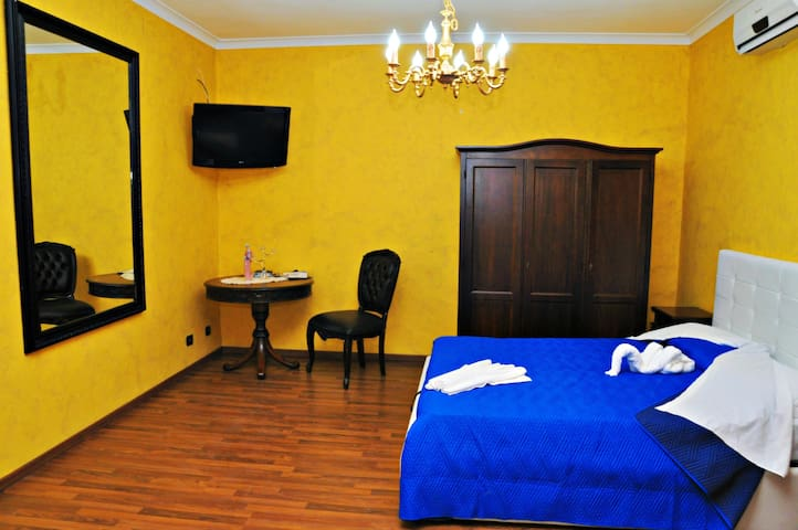 Lo Scrigno B&B camera Diamante!! - Montemiletto - Bed & Breakfast