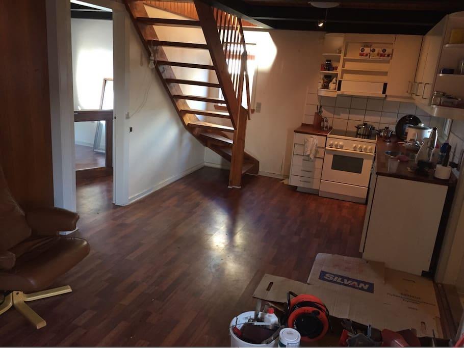 Køkkenet adgangsmulighed til private værelset