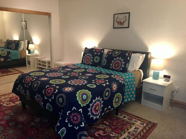 Charming, private bed & bath, close to everything!