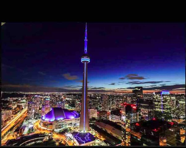 Near CN TOWER | 1 BED+LOUNGE+ BALCONY LUXURY CONDO
