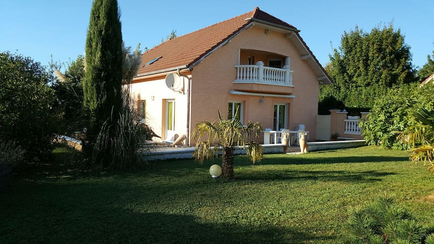 Maison 3 chambres - Besançon - Dom