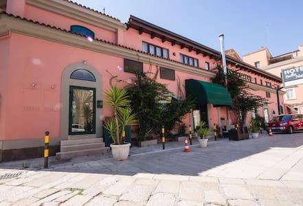 Soggiornare nel centro di Foggia... - Foggia - Villa