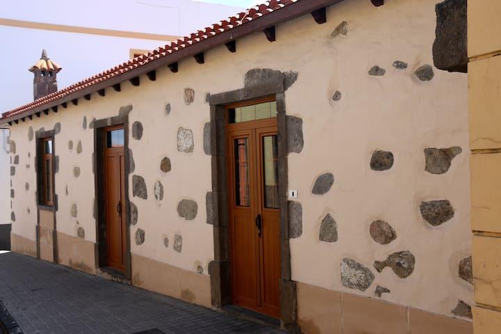 Casa rural en el pueblo de Moya