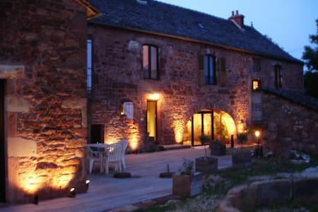 Chambre, 2-3 personnes B&B - Clairvaux-d'Aveyron