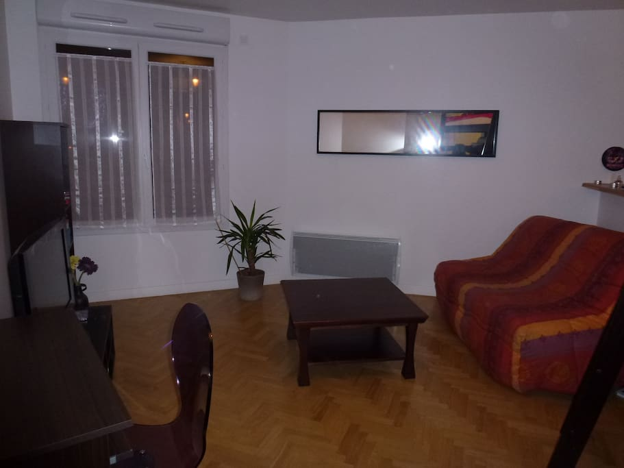 grand studio 31 m2 proche paris apartments for rent in puteaux le de france france. Black Bedroom Furniture Sets. Home Design Ideas