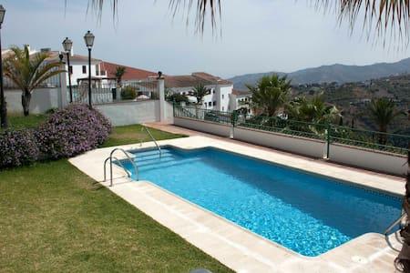 NEW Elegant Flat w/easy access & AC - Frigiliana - Apartament