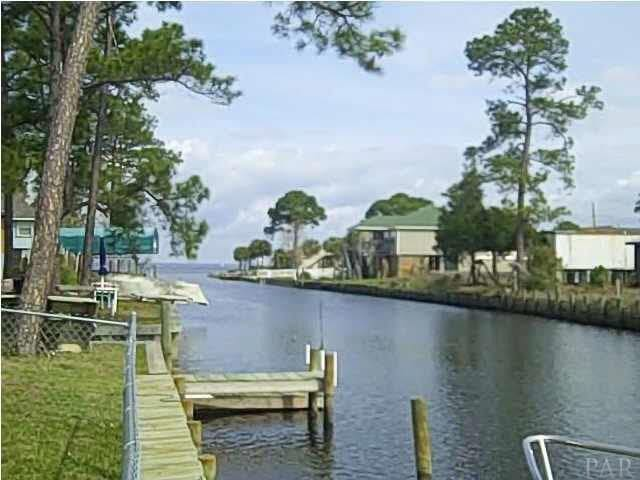 Perdido Key Waterfront Cozy Cottage, boats welcome