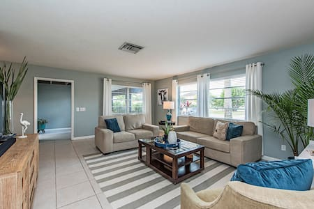 601 Beach Haven | Minutes to Vanderbilt Beach