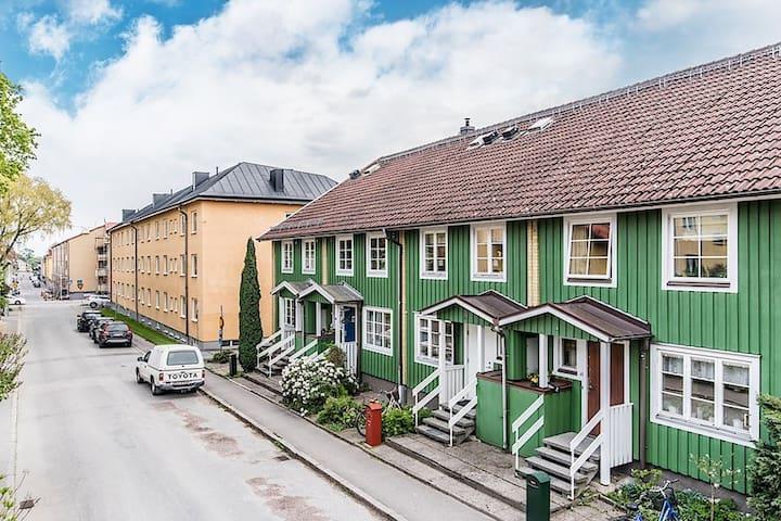 Big trendy house in city Nyköping - Nyköping - Townhouse