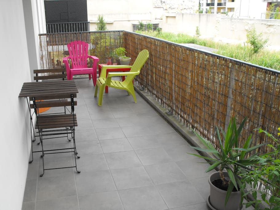 Appart bordeaux 50m avec terrasse apartments for rent for Location appartement avec terrasse bordeaux