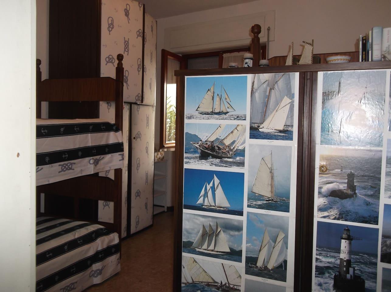 Lago di garda villa sulla spiaggia   villas for rent in pai