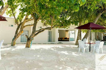 Guraidhoo, Luxury Beach Maldives
