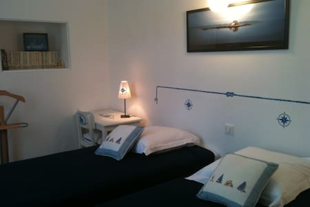 """""""Les Angelots"""" , chambre """"Marine"""" - Bed & Breakfast"""