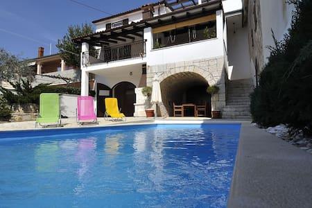 Casa con piscina  ,   Villa Perinka - Sveti Lovreč - House