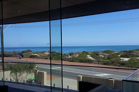 Ocean Frontage - Enjoy the Views - Watermans Bay - Talo