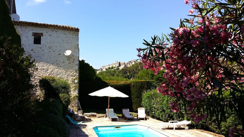Poolside Studio in Saint Paul - Saint-Paul-de-Vence - Apartment