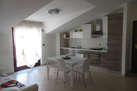 ATTICO nuovissimo montesilvano - Montesilvano - 公寓