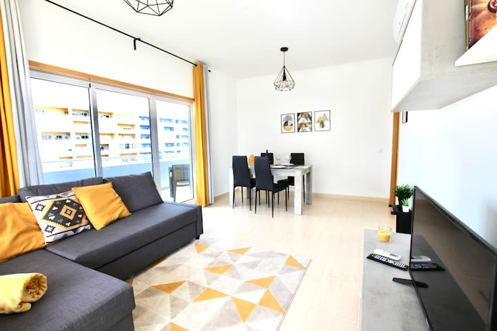 BEHAPPY III, BEAUTIFUL MODERN APT, 5 *, WIFI & AC