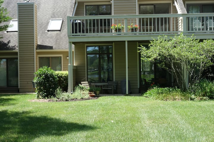 Nature Abounds Lake Side Park Oasis - Rehoboth Beach - Appartement