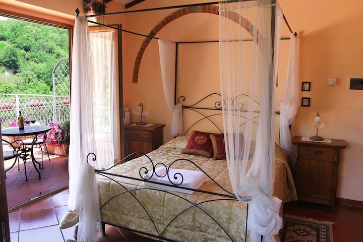 Romantic room with terrace near Florence - Gaville - Villa