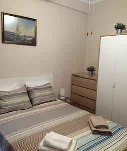 Cosy flat next to sea & center. - Paleo Faliro